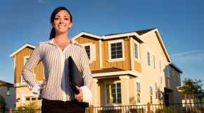 What are the job features of a buyers agent?